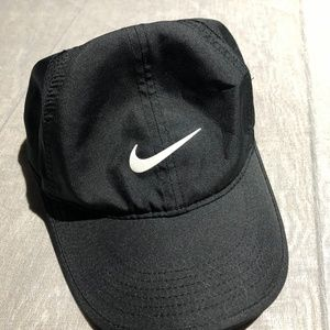 Nike Featherlight Dri- Fit hat  adjustable strap